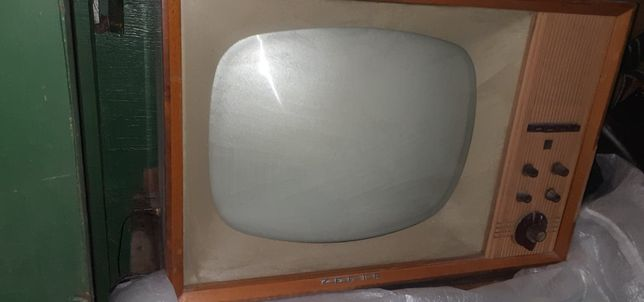Zefir telewizor lampowy