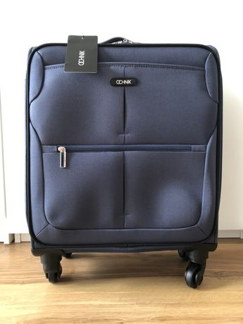 Nowa walizka Ochnik