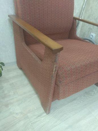 Продам розкладне крісло б/в