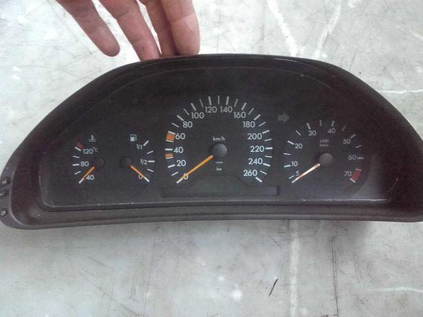Licznik prędkościomierz mercedes w210 2.8 3.2 benzyna r6