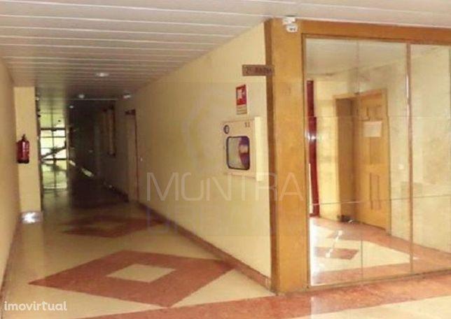 ESCRITÓRIO (31 m2) - 6º Andar, Sala 605 - TORRE BRASIL - JUNTO ao PARQ
