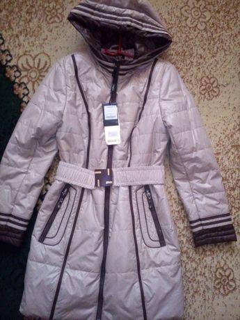 Продам пальто весна-осінь.