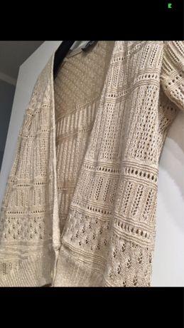 Sweterek bezowy ze zlota nitką S/M