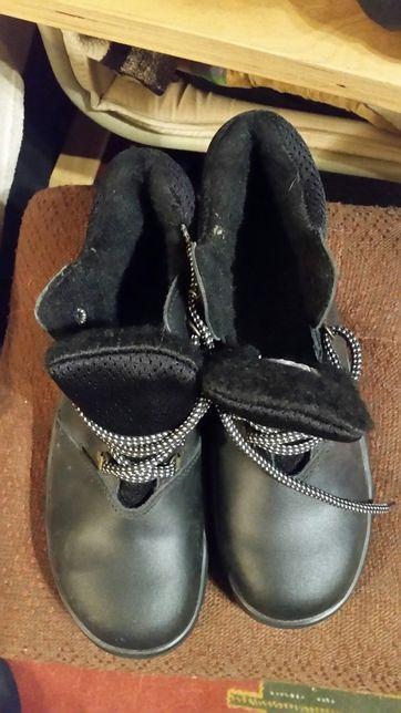 Buty wzmocnione noski, ocieplane męskie rozmiar 43