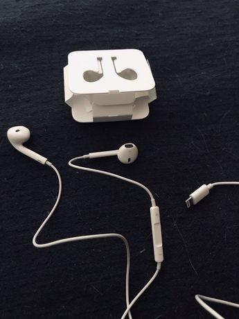 Оригинальные наушники Apple EarPods Lightning Connector