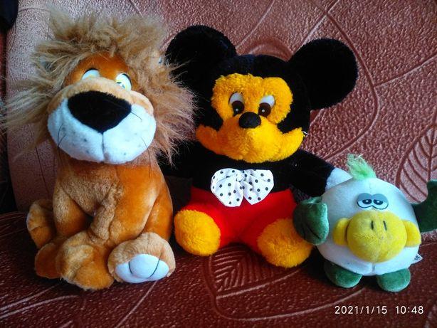 Мягкие игрушки. Лев. Смешарик. Микки Маус