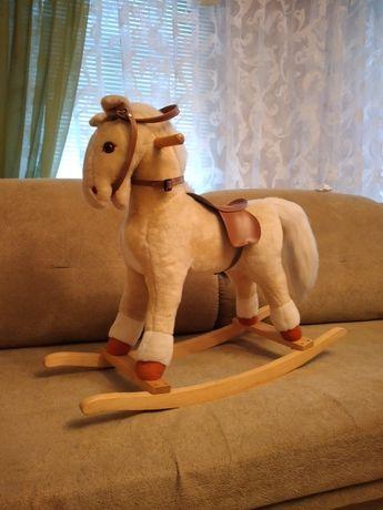 Лошадь меховая состояние идеальное