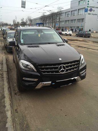 Авто  Mercedes-Benz