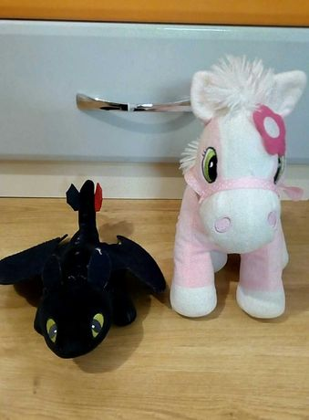 Мягкие игрушки Беззубик и Пони