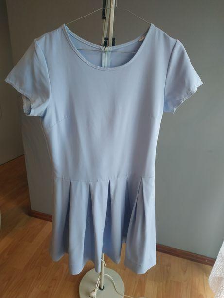 Sukienka błękitna rozkloszowana