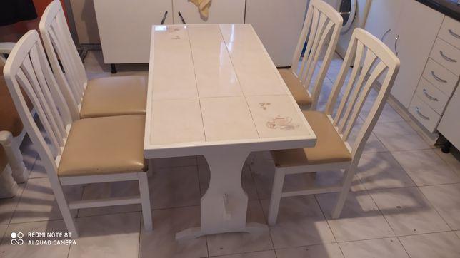 Conjunto de cozinha mesa cadeiras e armário