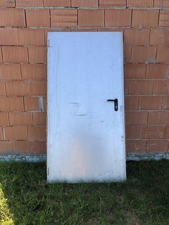 Drzwi budowlane 90