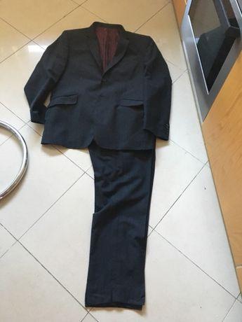 Fato de Homem cinza escuro UnderBlue