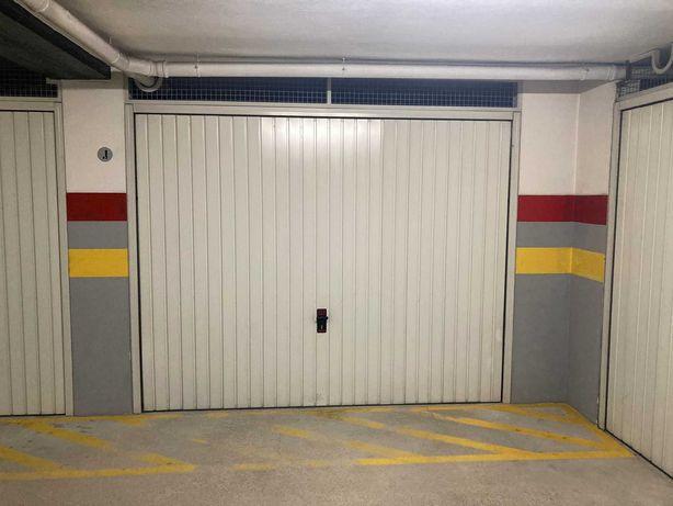 Garagem fechada Box