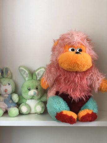 Мягкие игрушки обезьянка, зайка, кролик.