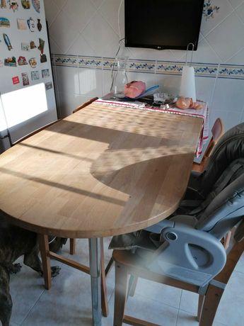 Conjunto mesa e 4 cadeiras