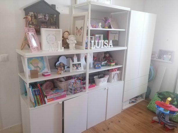 Combinação PLATSA IKEA - Estantes + Roupeiro Infantil