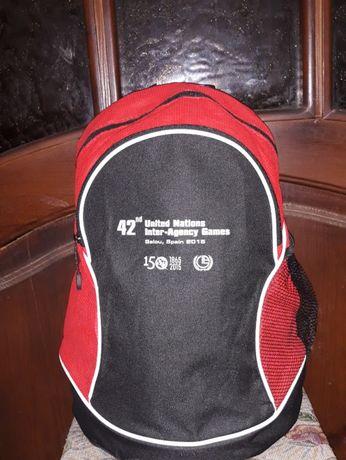 Школьный рюкзак Сlique, б/у в отличном состоянии, цвет-черный с красн