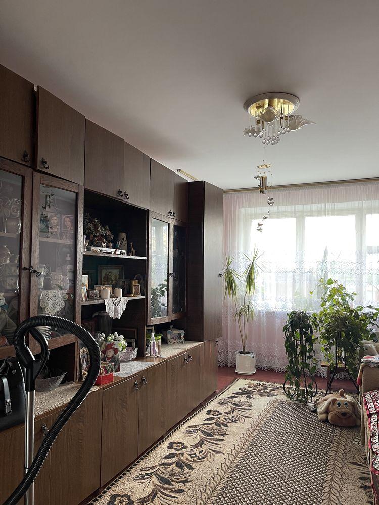 Трикімнатна  квартира   смт Квасилів    28 000