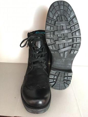 Чоловічі черевики (43 розмір)