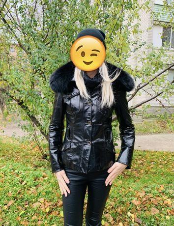 Кожаная курточка на тинсулейте с мехом из песца