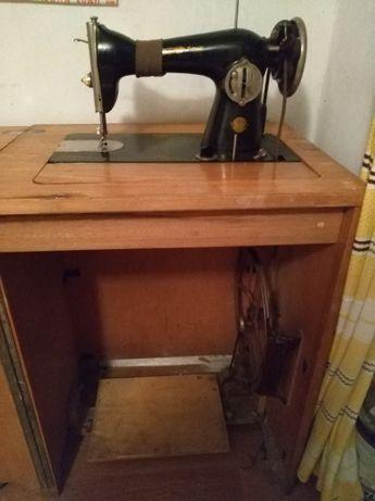 Продам швейную машину 70х годов