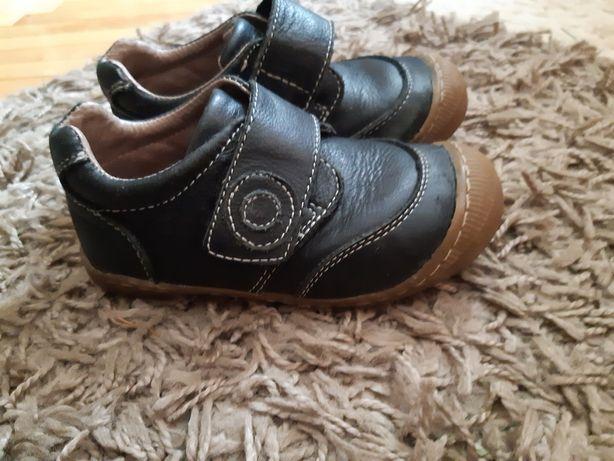 Шкіряні туфлі, кеди 25 розмір