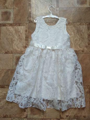 Нарядное белое платье на девочку гипюр кружево