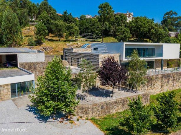 Moradia T3 com vista panorâmica, em Aldreu - Barcelos. In...