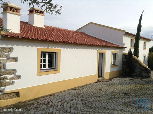Moradia - 353250 m² - T4