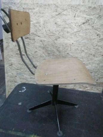 krzesło obrotowe ślusarskie krzesło warsztatowe wintage z PRL-u