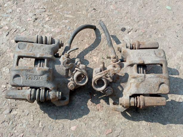 Суппорт Задний Форд Скорпио 1200грн Пара суппортов Ford Scorpio