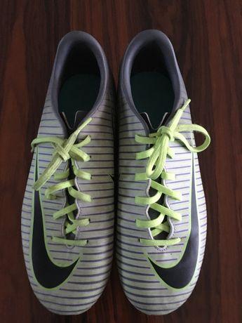 Chuteiras Nike  para adolescentes tamanho 38,5