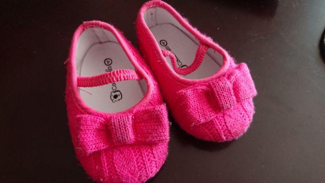 Buty tekstylne niemowlęce rozm. 4 Coccodrillo