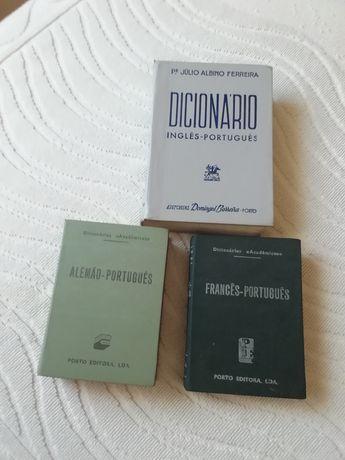Dicionários antigos