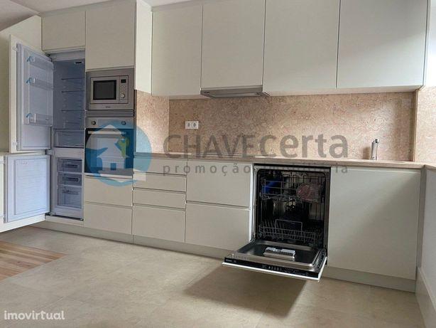 Apartamento Duplex T2 com Varanda - Centro Histórico de P...