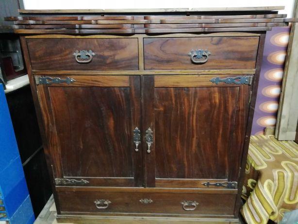 movel aparador vintage com estantes