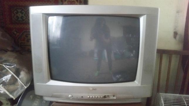 Телевізор LG-CT-20T25M