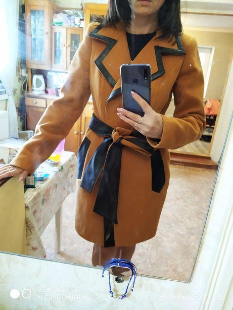 НОВОЕ кашемировое пальто 44р.