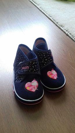 Взуття Peanuts 25 р для дівчинки