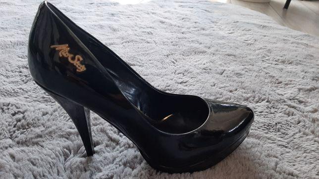 Szpilki, Czółenka, buty na obcasie MISS SIXTY czarne nowe r. 39