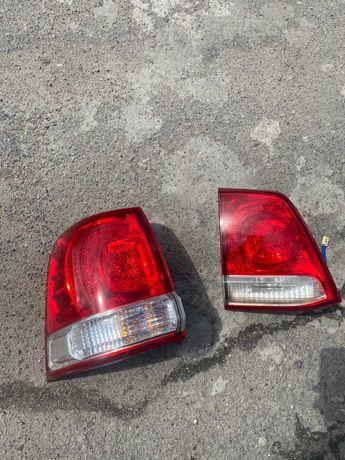 Toyota 200 Фонарь задний.левый