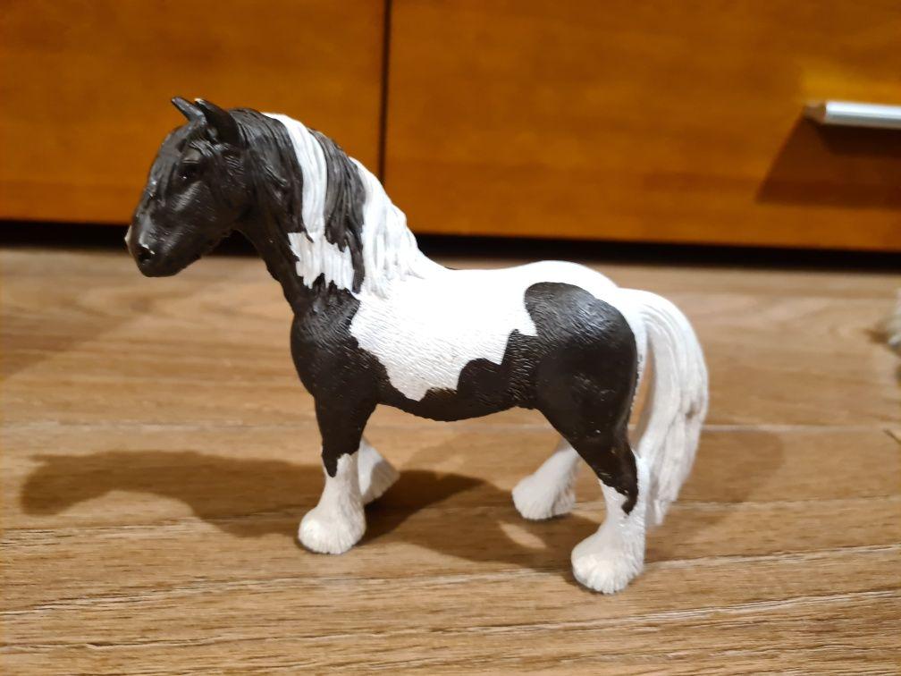Schleich Koń Tinker ogier 13791 wycofany
