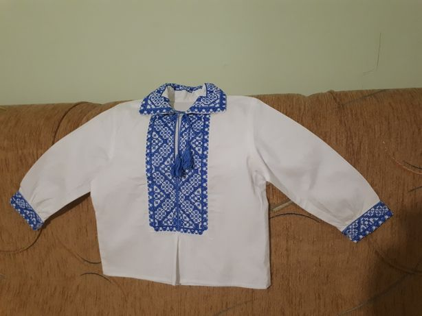 Продам вишиванку на хлопчика до 2 років, ручна вишивка, 100% бавовна
