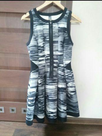 Sukienka z neoprenu