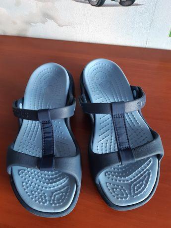 Кроксы Crocs женские размер 35