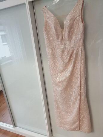 Piękna, długa sukienka