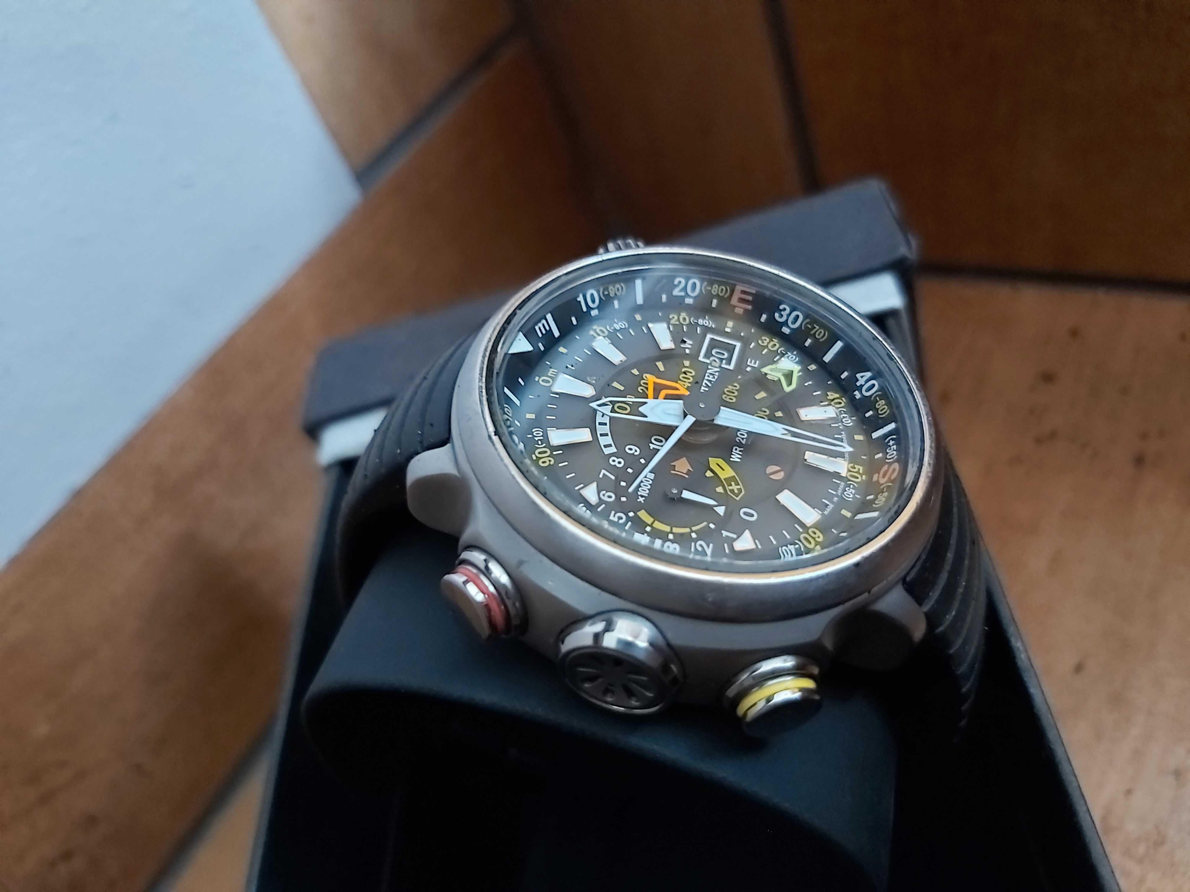 Zegarek Citizen Altichron diver nurek kompas wysokościomierz 200 m.
