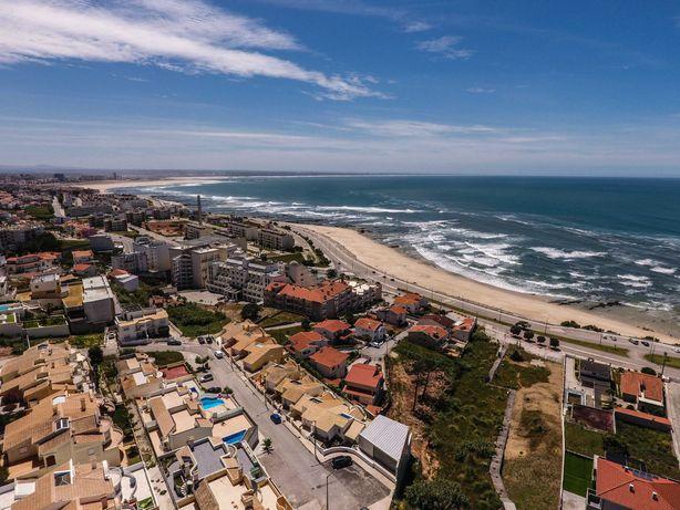 Moradia T2 com a 300 m da praia com vistas de mar