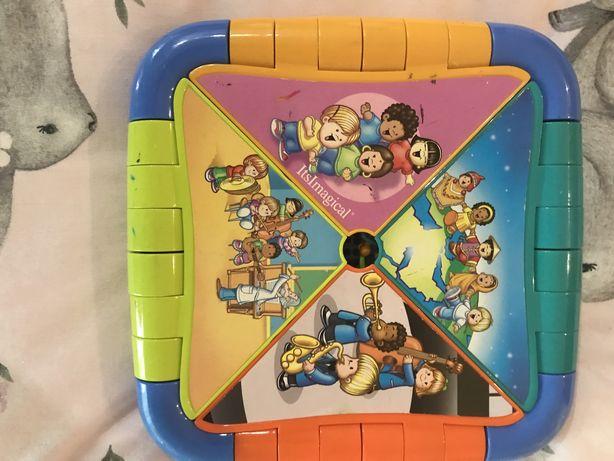 Brinquedo com sons de instrumentos musicais